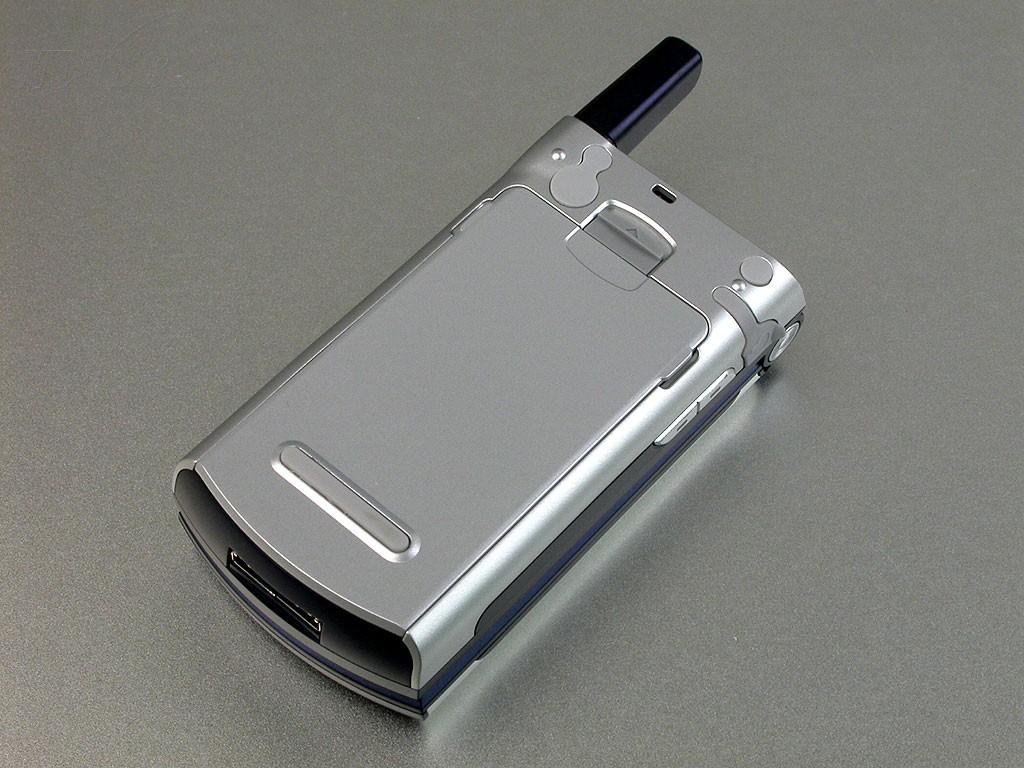 华为u526手机产品图片2素材-it168手机图片大全