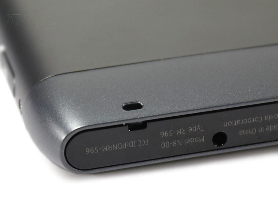 诺基亚n8(港行版)充电插孔图片素材-it168手机图片大