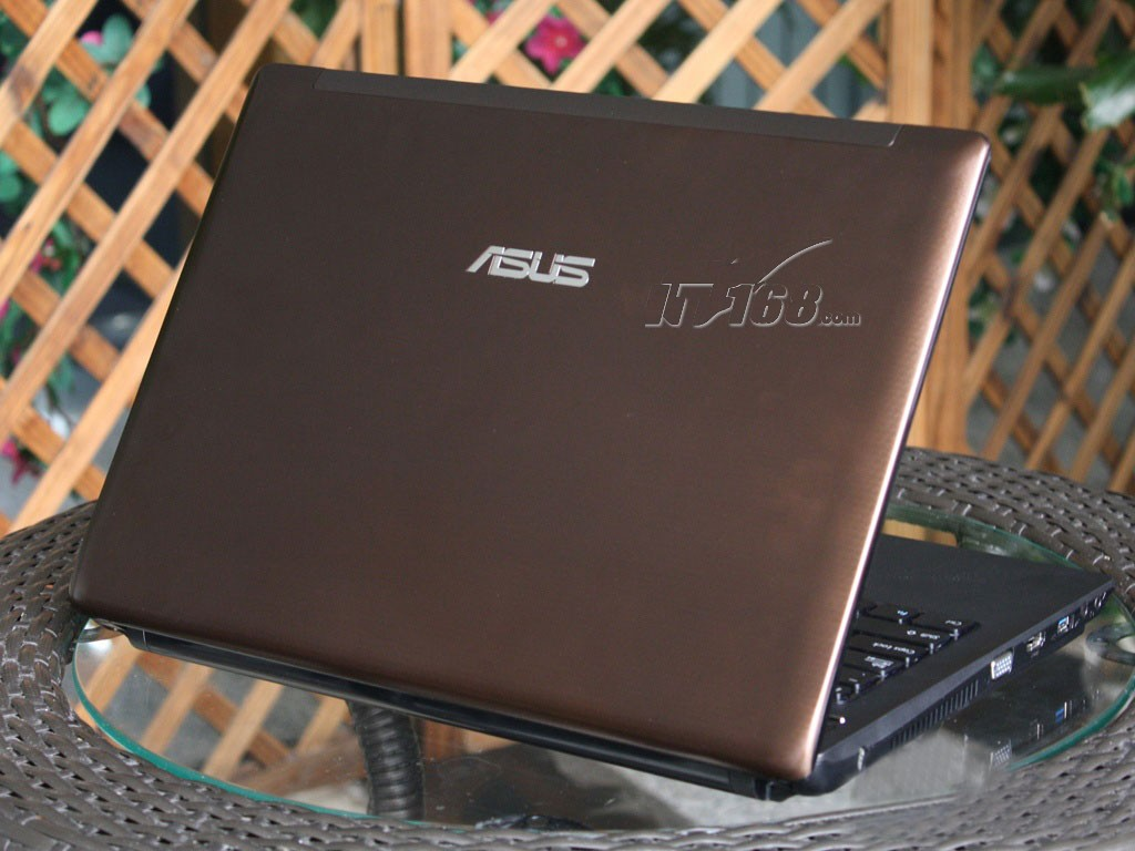 华硕N82EI38JV SL笔记本产品图片4素材