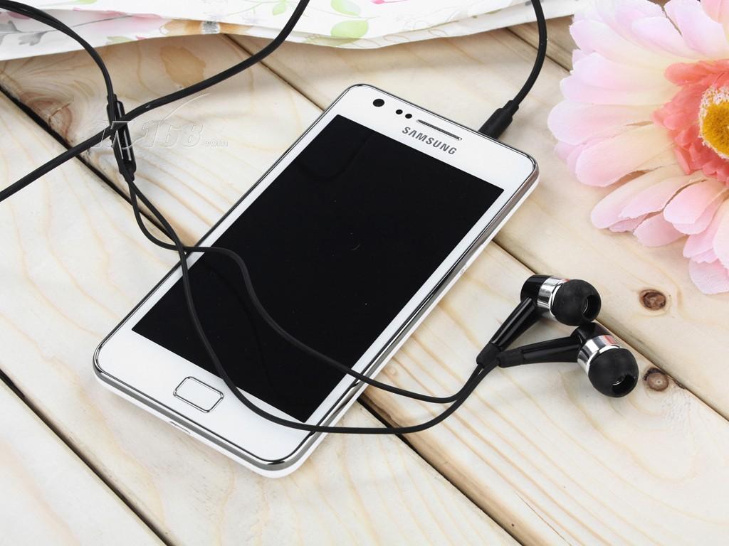 三星sedge图片白色_三星i9100白色开箱图片21素材IT168手机图片