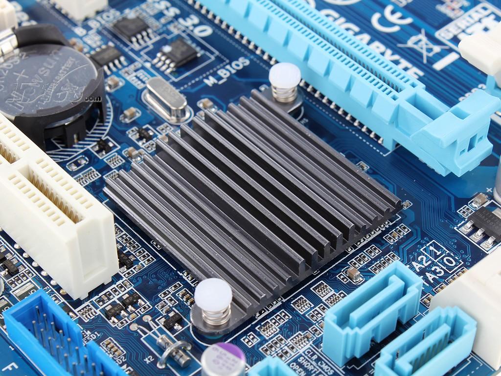 技嘉ga-b75m-d3v(rev.1.0)主板产品图片7