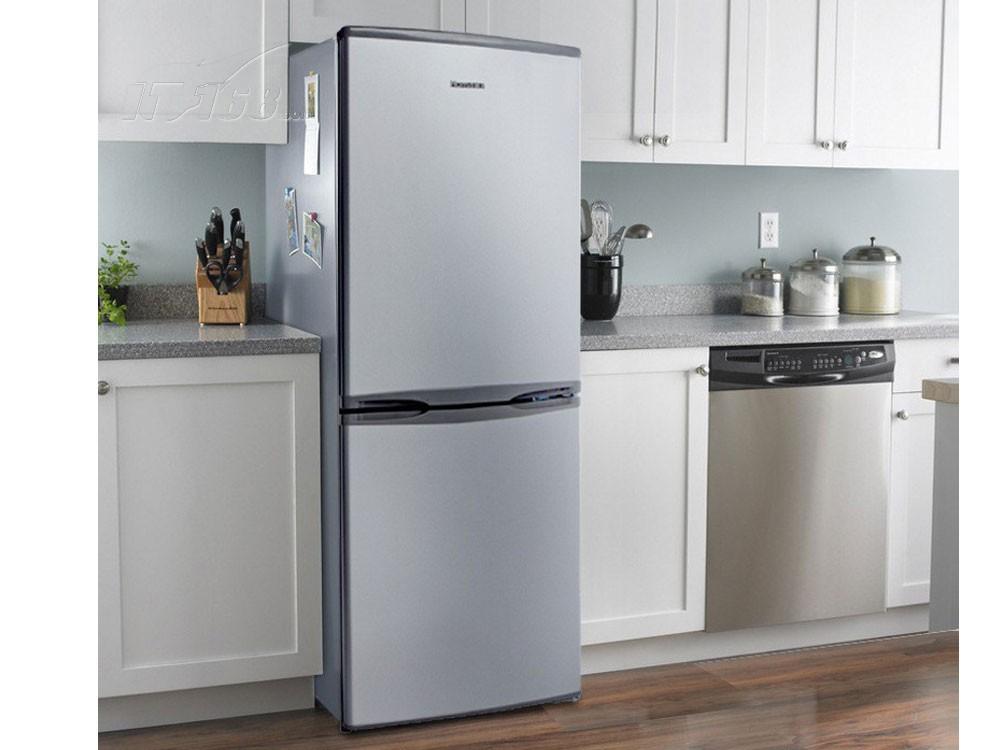 IT168奥马BCD-176A7 176升双门冰箱(傲银)产品页面为您提供HOMA BCD-176A7 176升双门冰箱(傲银)相关报价、参数、评测、图片、评论等信息,了解奥马BCD-176A7 176升双门冰箱(傲银)详情尽在IT168