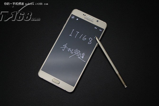 IT168三星Galaxy Note 5 32GB 银色产品页面为您提供SAMSUNG Galaxy Note 5 32GB 银色相关报价、参数、评测、图片、评论等信息,了解三星Galaxy Note 5 32GB 银色详情尽在IT168