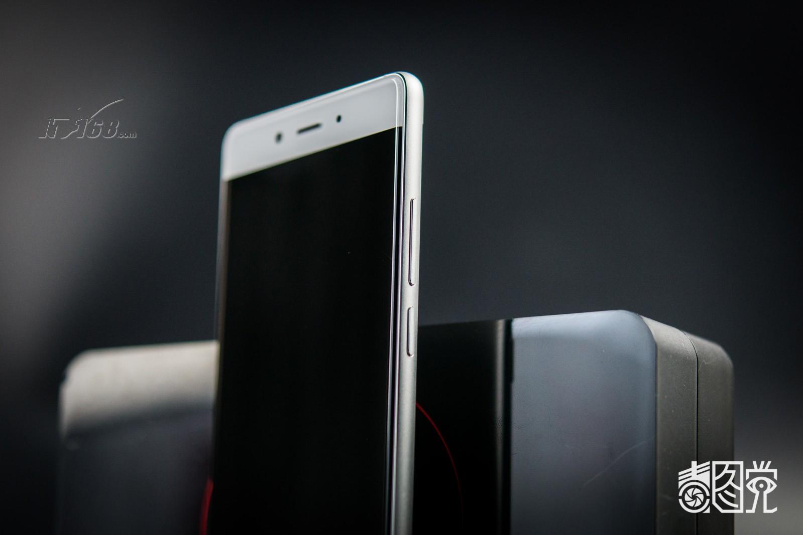 努比亚z11 白金版场景图片13素材-it168手机图片大全