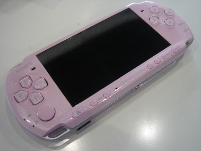 psp3000报价_索尼PSP3000掌上游戏机产品图片50-IT168