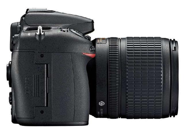 尼康D7100 单反机身(中高级单反 2410万像素 3.2英寸液晶屏 连拍6张/秒)整体外观图图片6