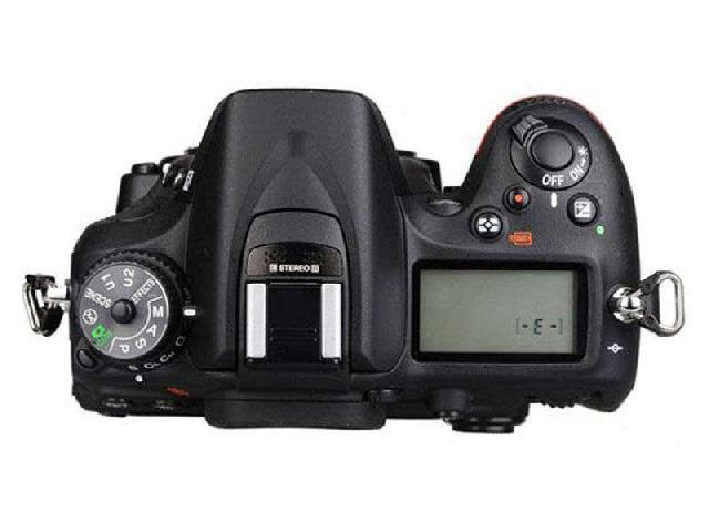 尼康D7100 单反机身(中高级单反 2410万像素 3.2英寸液晶屏 连拍6张/秒)整体外观图图片9