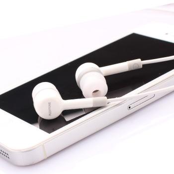 手机耳机线控耳机 入耳式线控耳塞 适用于三星 魅族 华为 小米等 白色