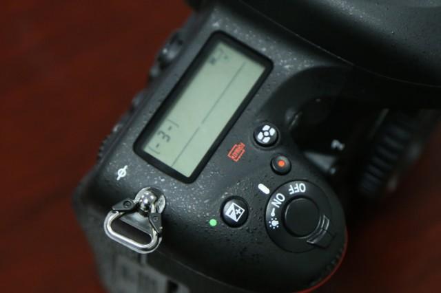 尼康D750  全画幅单反相机(2432万/翻转屏/51点AF)单机身局部细节图图片4