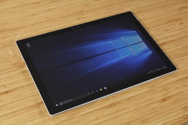 微软Surface Pro 4(酷睿i5 256G存储 8G内存 触控笔)真机外观图片2