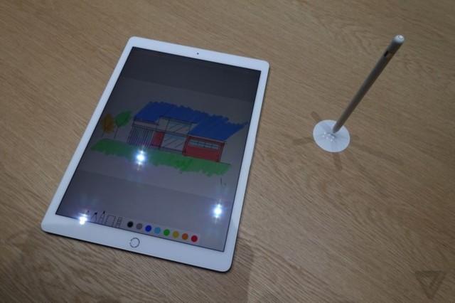 苹果iPad Pro 9.7英寸平板电脑(苹果A9 2G 128G 2048×1536 iOS9 WLAN)金色产品对比图图片3