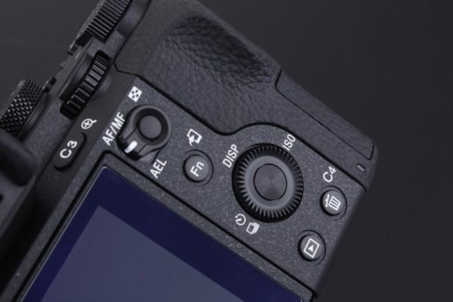 索尼ILCE-7M2 A7 2 A72 全画幅单反相机(单机身)局部细节图图片3