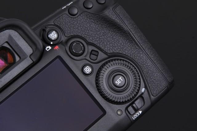 佳能EOS 5D Mark IV 机身局部细节图图片8