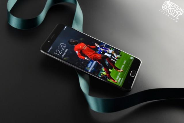 OPPOR9s Plus 6GB+64GB内存版 全网通4G手机 双卡双待 黑色场景图片2