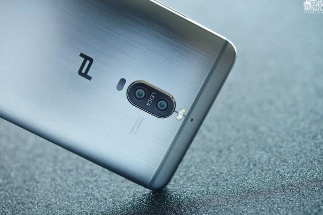 华为 Mate9 Pro 4G手机 双卡双待 琥珀金 全网通(4GB RAM+64GB ROM)场景图片6