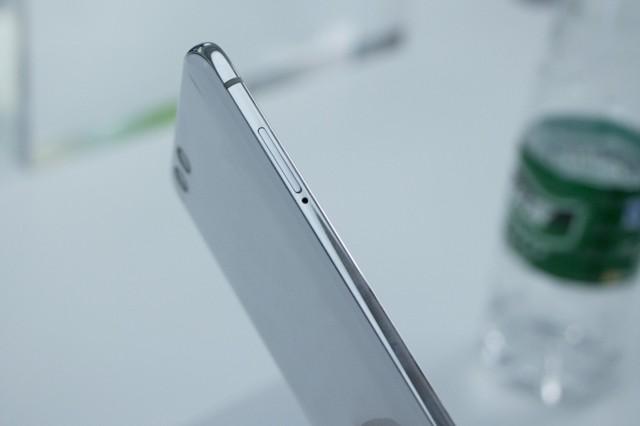 小米6 全网通 6GB+128GB 亮黑色 移动联通电信4G手机 双卡双待现场图片9
