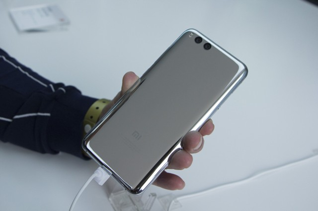小米6 全网通 6GB+128GB 亮黑色 移动联通电信4G手机 双卡双待现场图片10