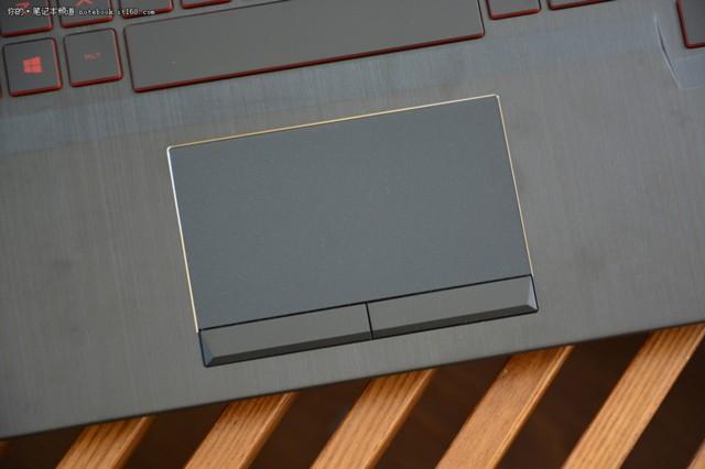 惠普暗影精灵III代 15.6英寸游戏笔记本电脑(i5-7300HQ 8G 1T GTX1050 2G独显 IPS FHD)实拍图片9