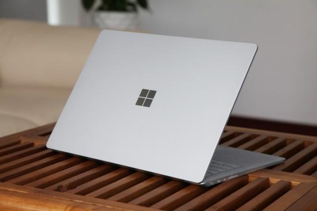 微软Surface Laptop(酷睿 i5/8GB/256GB)深酒红实拍图片4