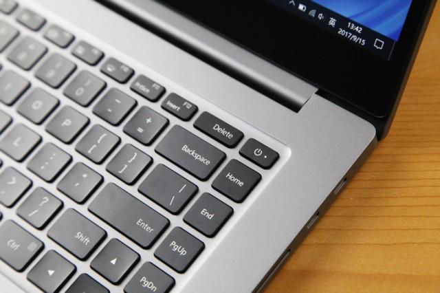 小米Pro 15.6英寸金属轻薄笔记本(i5-8250U 8G 256GSSD MX150 2G独显 FHD 指纹识别 预装office)深空灰实拍图片5